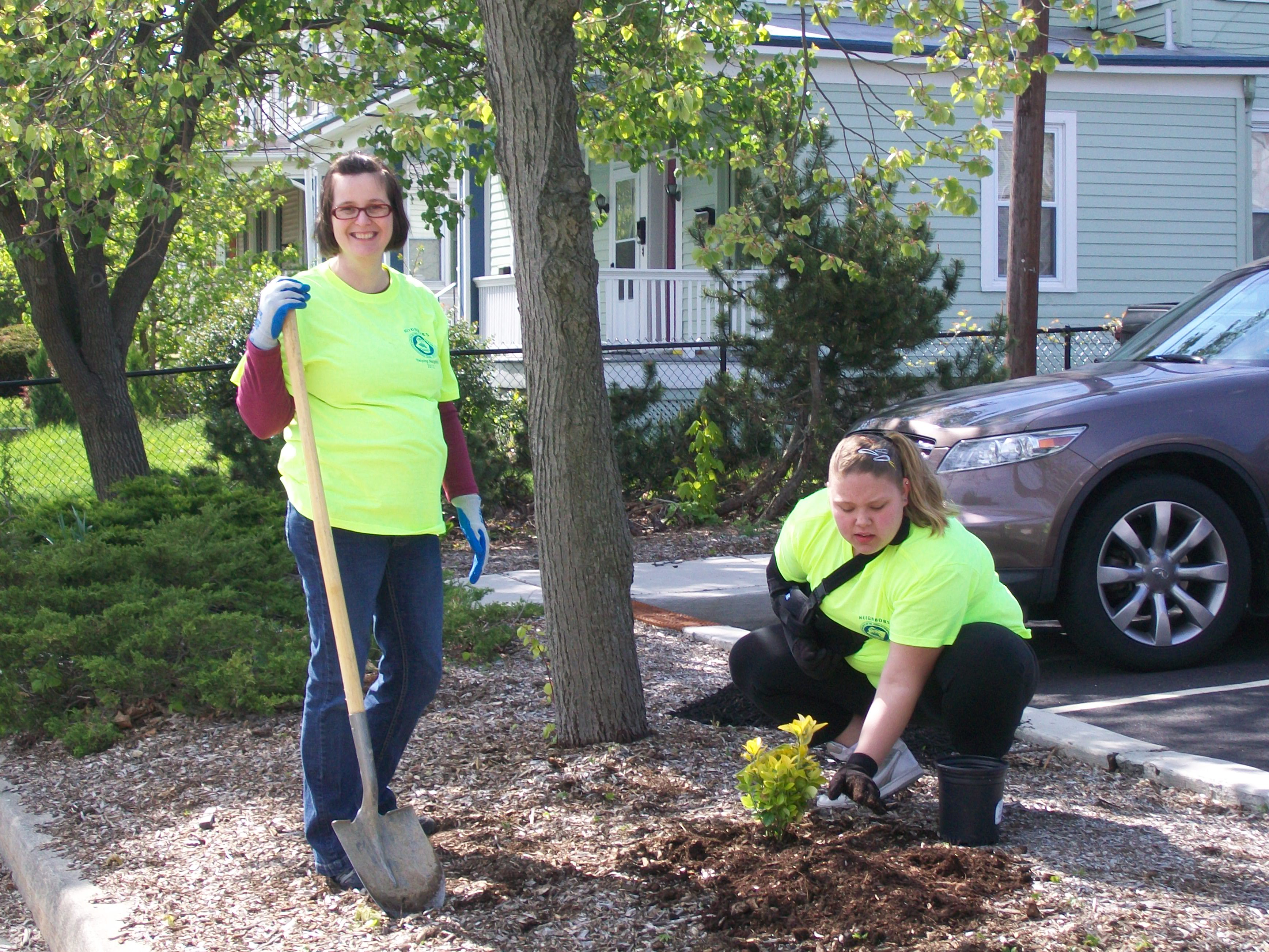 Volunteers planting shrubs in Lot #4 - Central Plaza