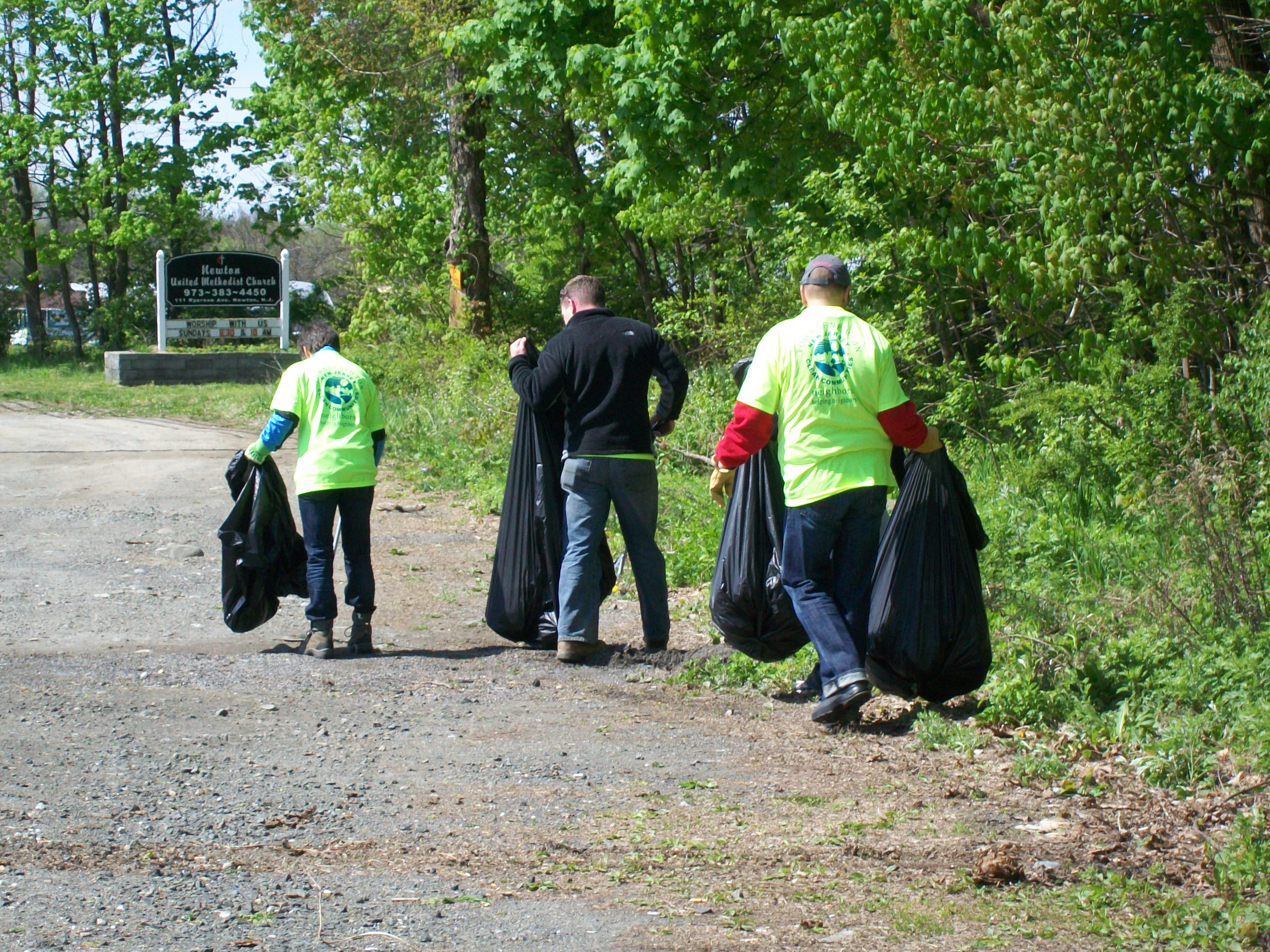 Volunteers cleaning up along Route 206